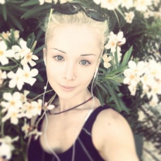 одесская барби без косметики. фото